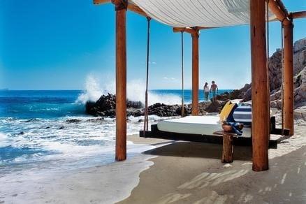 Palmilla beach side bed