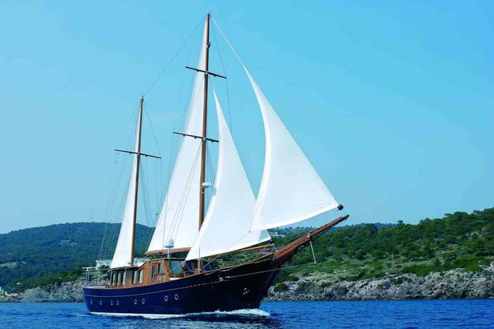 Photo of the Yacht Liana H.